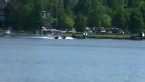 Crash during floatplane takeoff