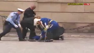 Guard Passes Out During Royal Wedding