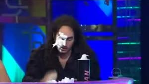 Ross Noble with foam