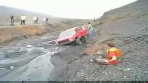 How NOT To Pull A Car Out Of The Mud