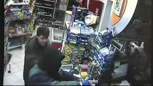 Drunk Hero Fights Off Armed Robber
