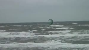 Kitesurfer Flies For 10 Seconds!
