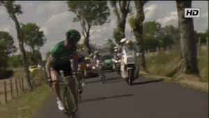 Bizarre Tour De France Crash