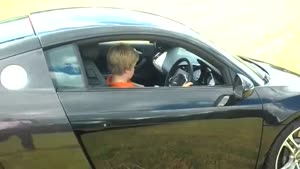 11yo Kid Ripping Up A Audi R8