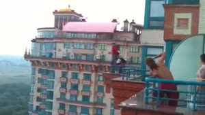 Jumping From 25 Floors In Russia