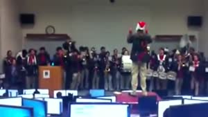 Guy Freaks Out During Christmas Concert