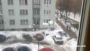 Snow Destroys Parked Cars