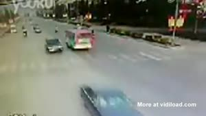 Rickshaw Driver Gets Lucky And Unlucky At The Same Time