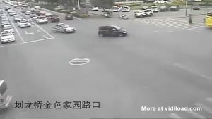 Baby Falls Out Of Car At Dangerous Intersection