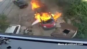 Car Fire Spreads Quickly And Causes Explosion
