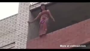 Firefighter Rescues Girl From Committing Suicide