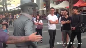 Don't Mess With This Living Statue