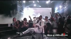 R&B Singer Miguel Falls On Chicks Head