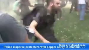 Cop Goes Crazy With Pepper Spray