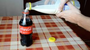 What Happens If You Mix Milk And Coke