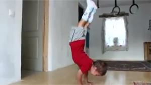 5 Year Old Doing Insane Push Ups
