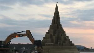 Destroying World's Tallest Sand Castle