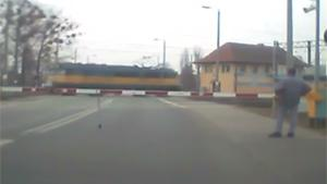 Malfunctioning Traincrossing