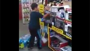 Kids Creates Havoc In Supermarket