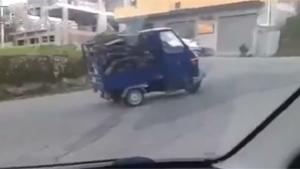 Tuk Tuk Vs Hill