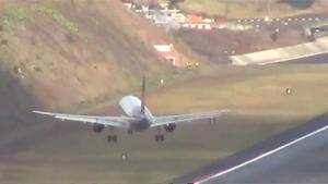 Crosswind Landings At Madeira Airport