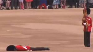Guard Faints At Uk Queens Birthday