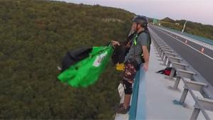 Base Jump Without Leg Straps