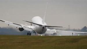 Near Plane Crash During Crosswind Landing