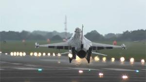 F-16 Fighter Jet Makes Tough-And-Go