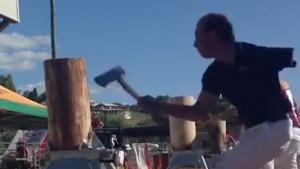 One Armed Man In Lumberjack Competition