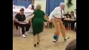 86 Year Old Owns The Dance Floor