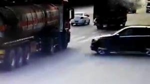 Mercedes Breaks Tanker In Half