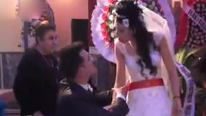 Hilarious Reaction By Bride